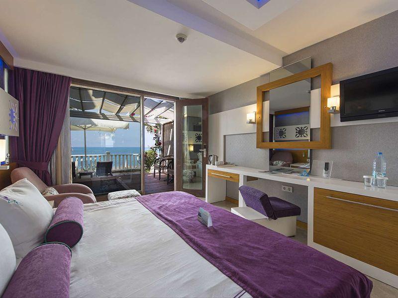 Cabana Room (Teras)2