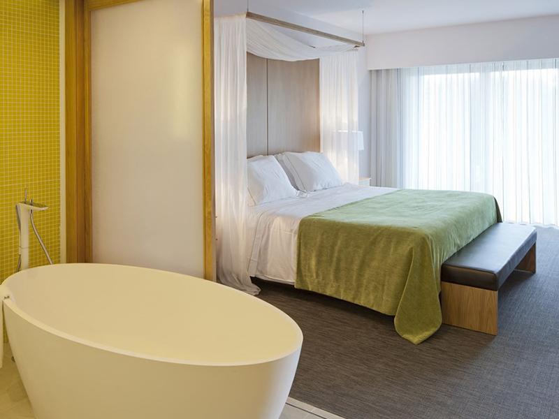 Deluxe Rooms Resort View2