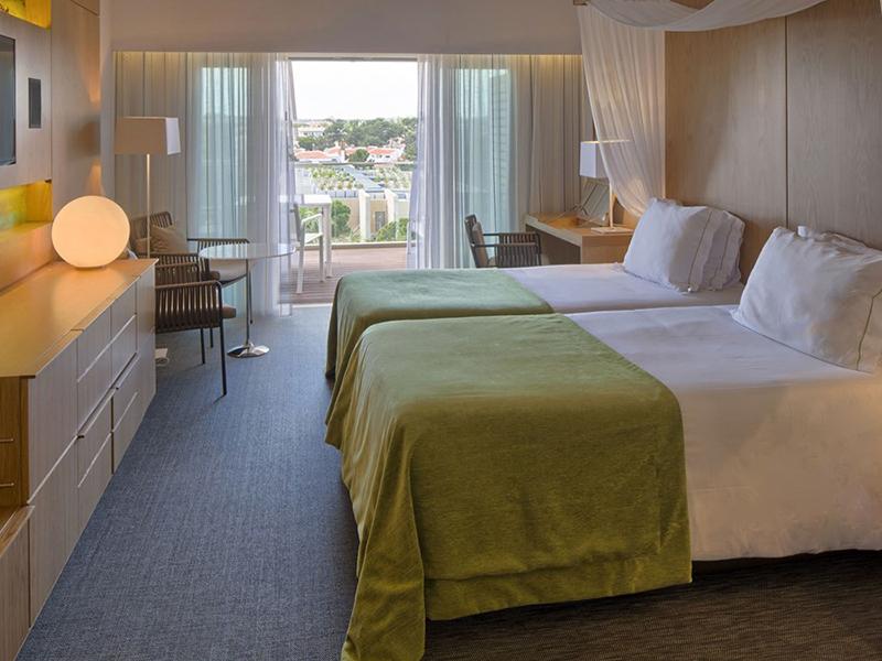 Deluxe Rooms Resort View3