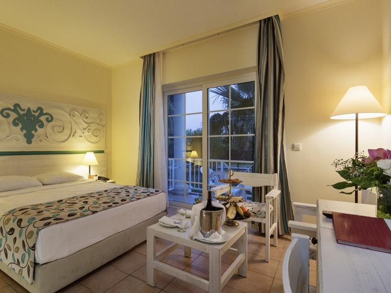 Euphoria Palm Beach Resort (16)