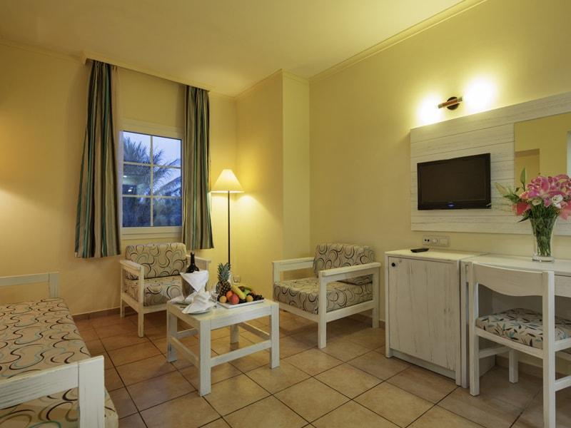 Euphoria Palm Beach Resort (26)