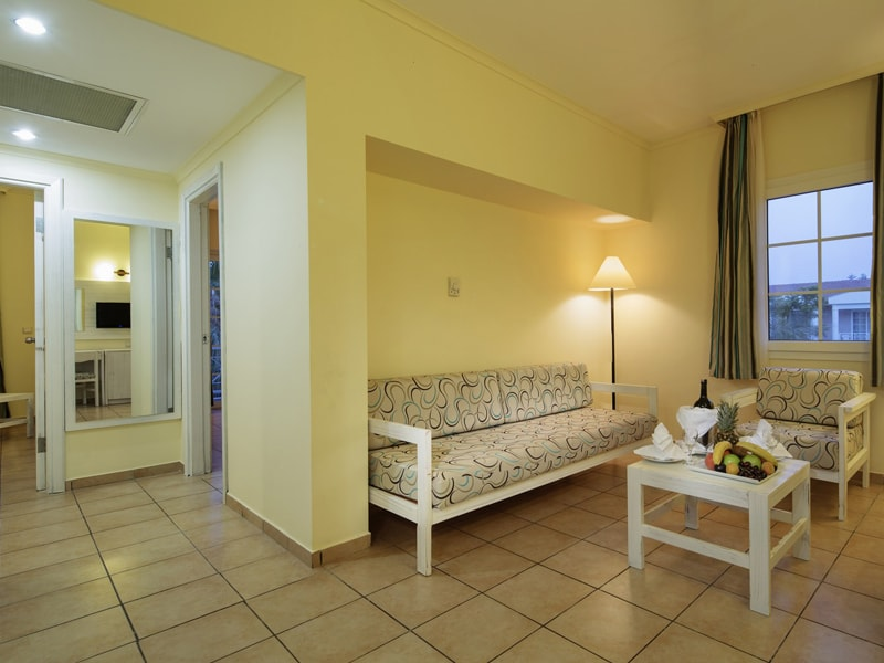 Euphoria Palm Beach Resort (29)