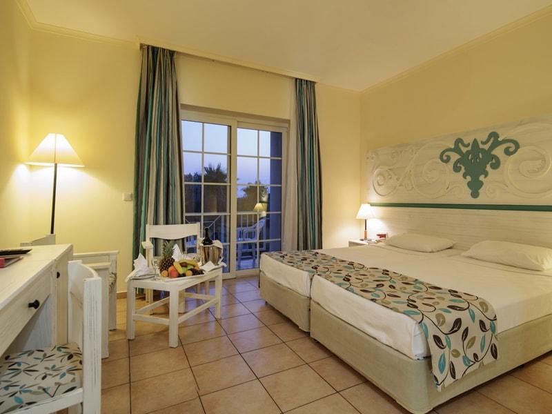 Euphoria Palm Beach Resort (30)