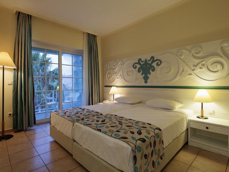 Euphoria Palm Beach Resort (31)
