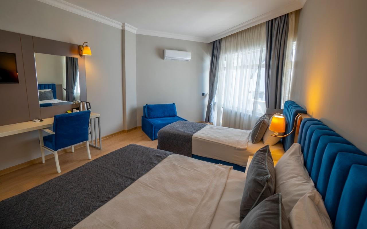 Large Room_05-min