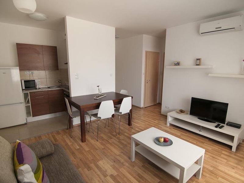 Corvin Center Suites (8)