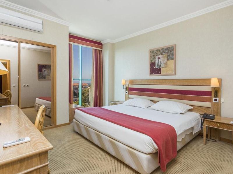 Riviera Hotel (5)