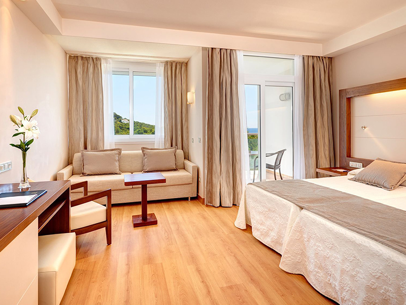 SELECT DOUBLE ROOM