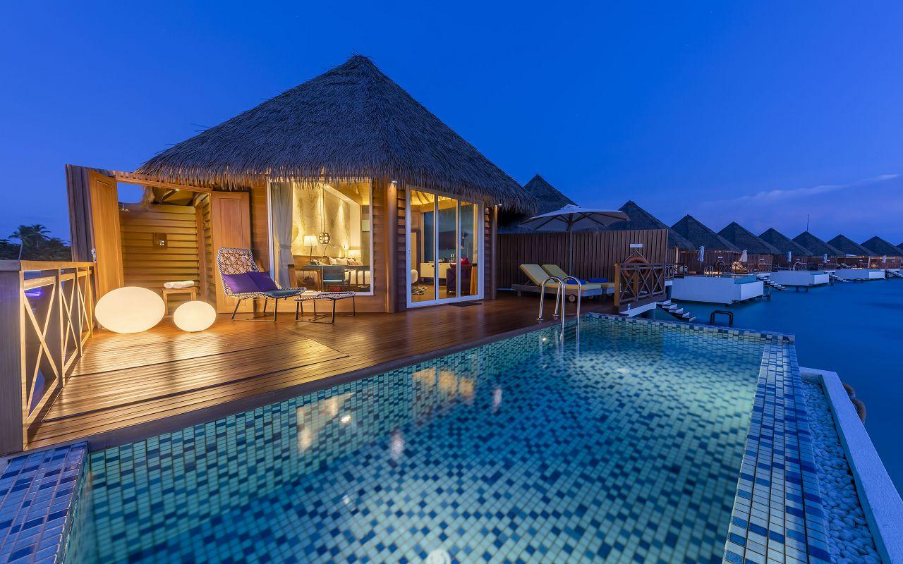 5_Overwater Sunset Pool Villa_Pool