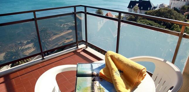Double Room with Extra Bed and Sea View4