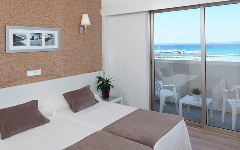 Double room with sea views