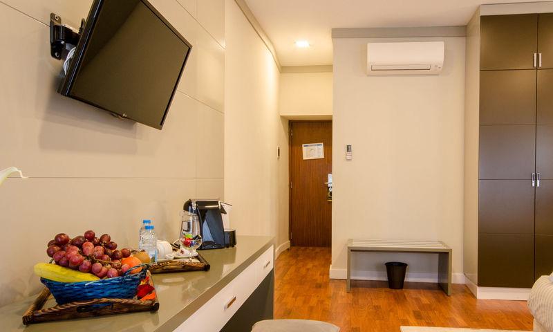 SUPERIOR ROOM WITH CHIADO VIEW3