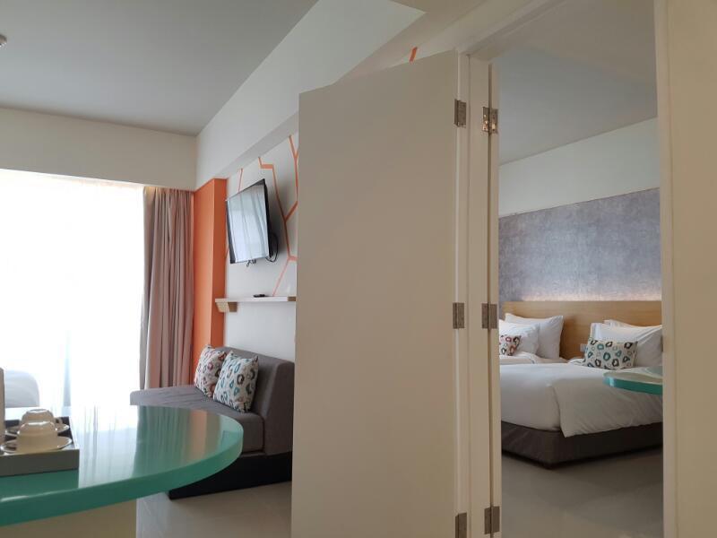 tijilliroomsroom_door