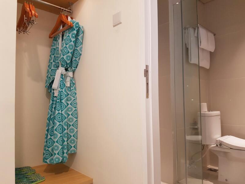 tijilliroomsroom_toilet