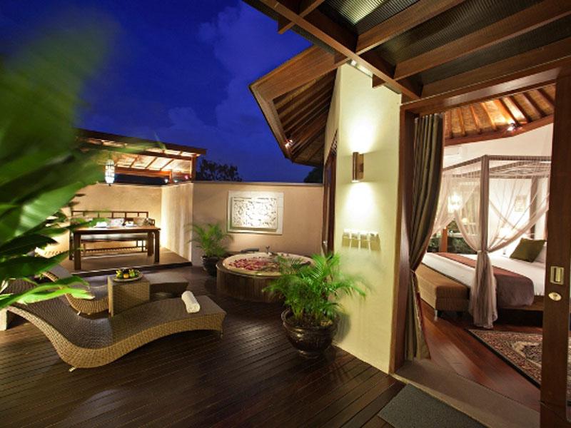 1-bedroom-jacuzzi-suite-04