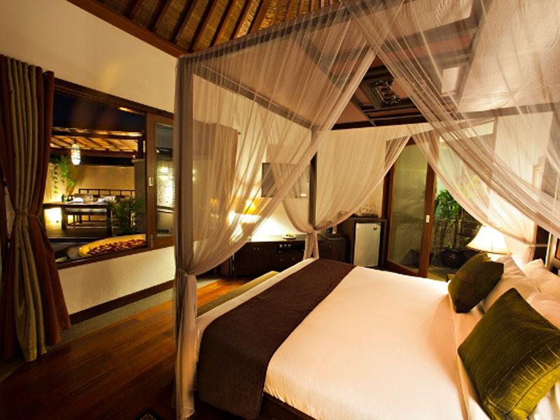 1-bedroom-jacuzzi-suite-05