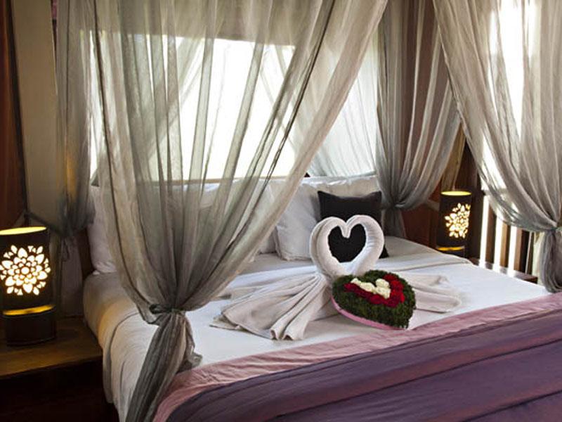 1-bedroom-jacuzzi-suite-07