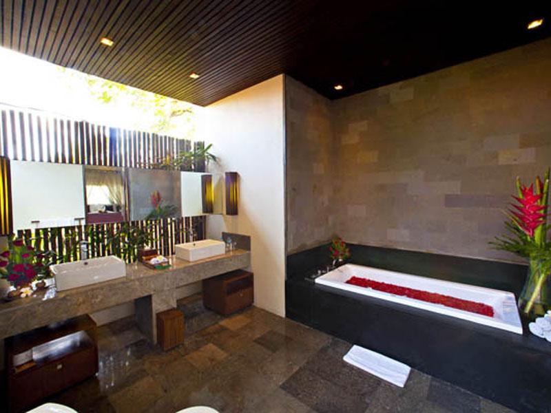 1-bedroom-jacuzzi-suite-08
