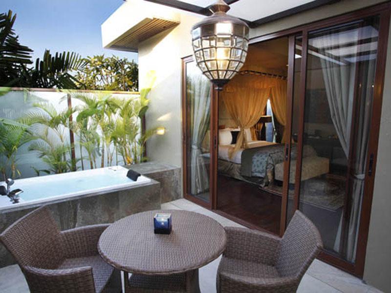 1-bedroom-jacuzzi-suite-11