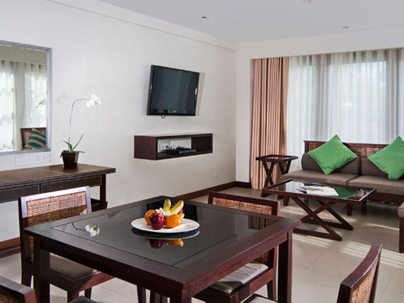 1br-balcony-suite-01