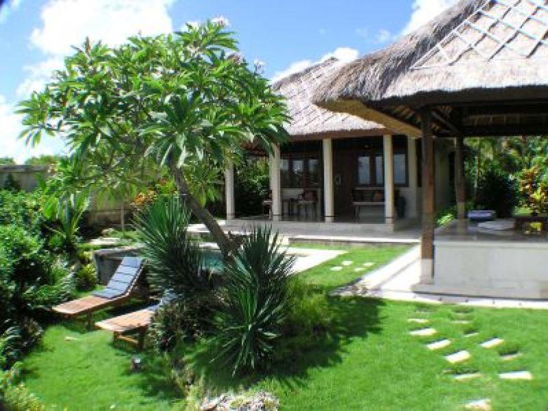 1br-ocean-front-honeymoon-villa2
