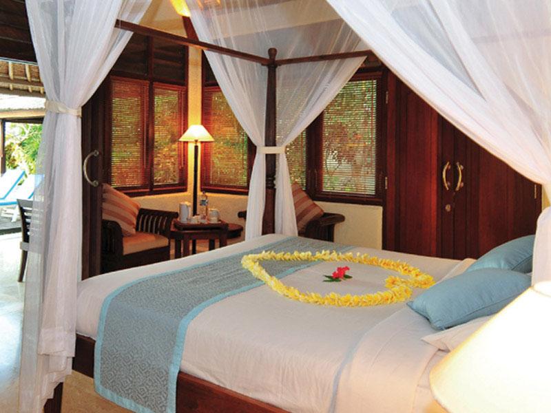 1br-ocean-front-honeymoon-villa3