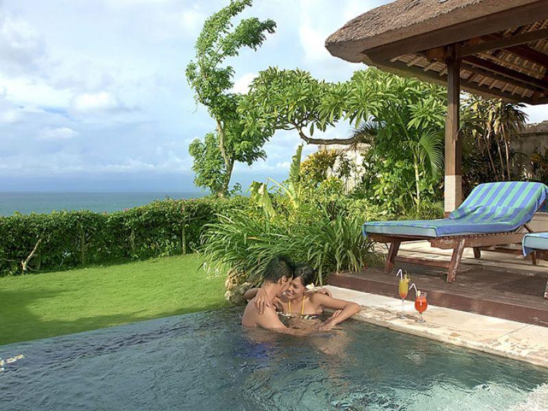 1br-ocean-front-honeymoon-villa4