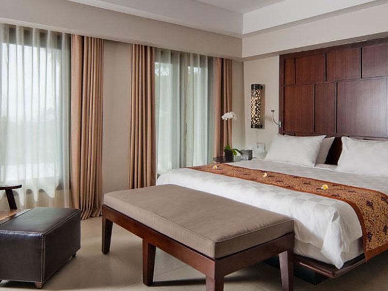2br-balcony-suite-01