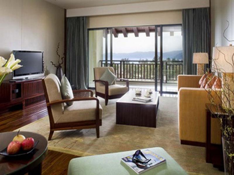 377x257-Club-Ocean-View-Suite---Living-Room.303