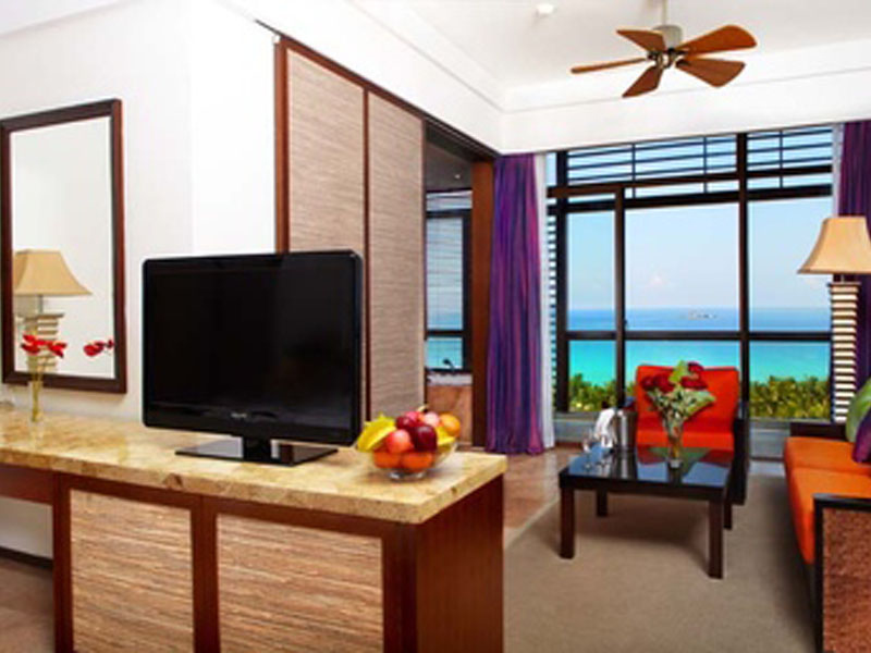 377x257-holiday-sea-view-suite-12.303