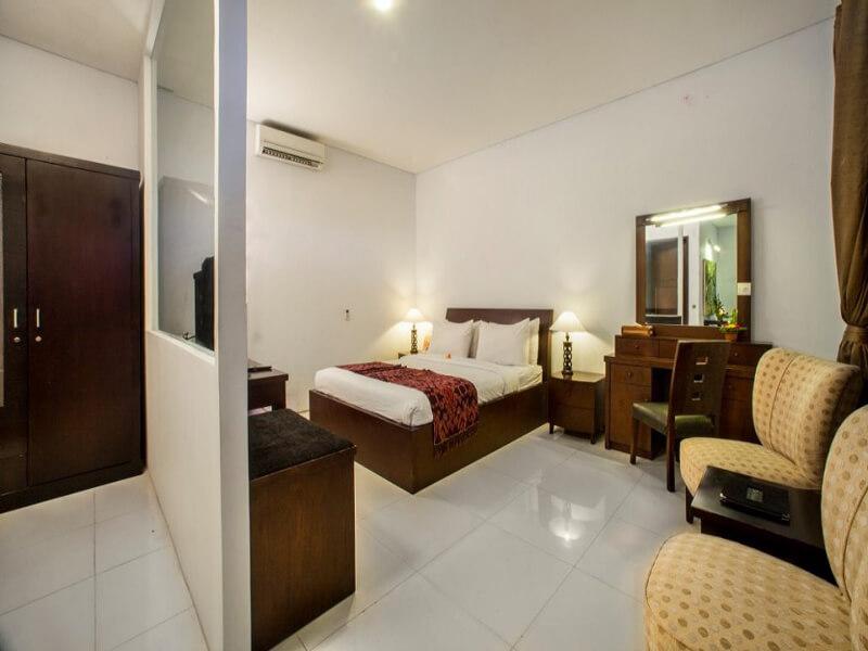 Deluxe-Room-2-Medium-1030x664