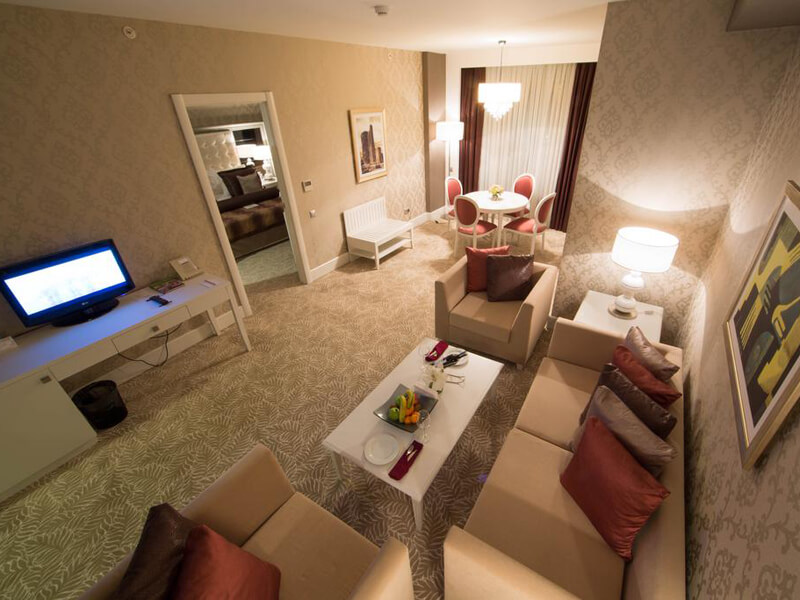 Executive Suite with Executive Lounge Access1