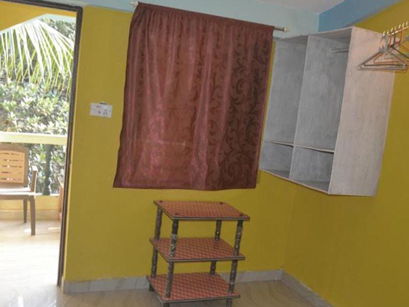 Ivon Guest House (1)