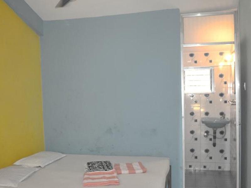 Ivon Guest House (2)