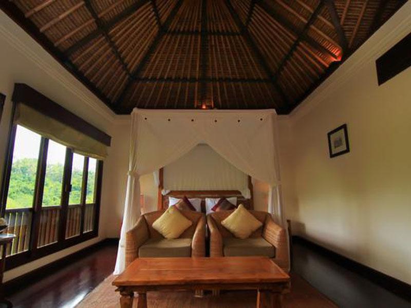 Luxury Pool Villa - Bedroom 01