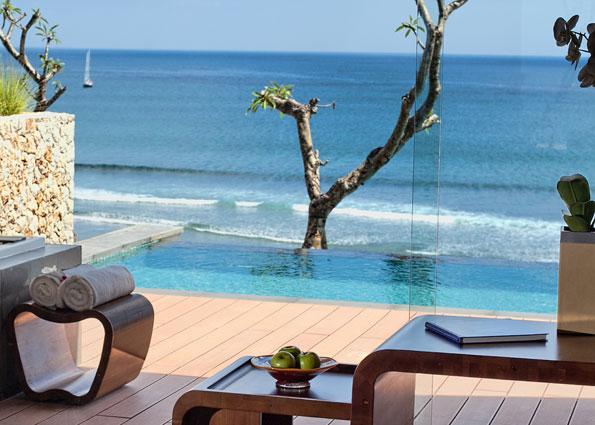 Ocean Front Pool Suite2