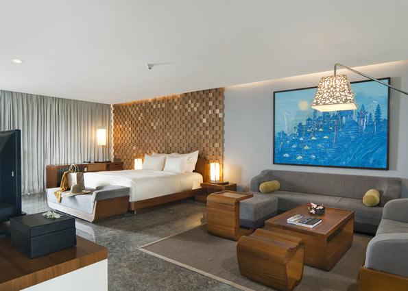 Ocean Front Pool Suite4