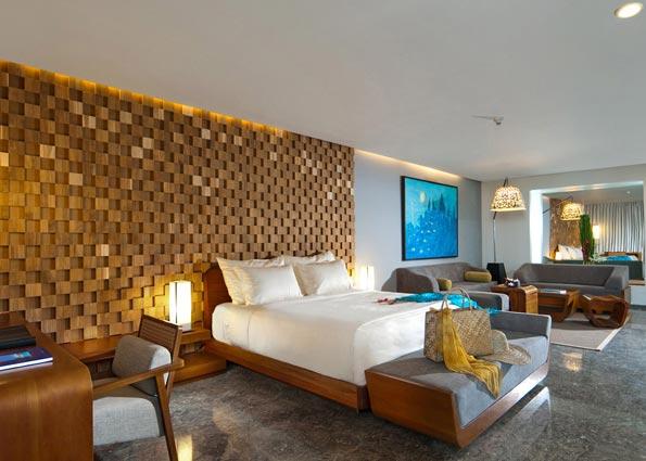 Ocean Front Pool Suite5