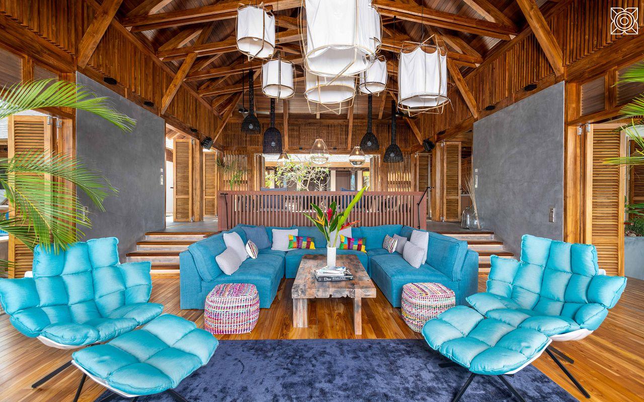 Ocean-Front Three Bedroom Luxury Villa (1)