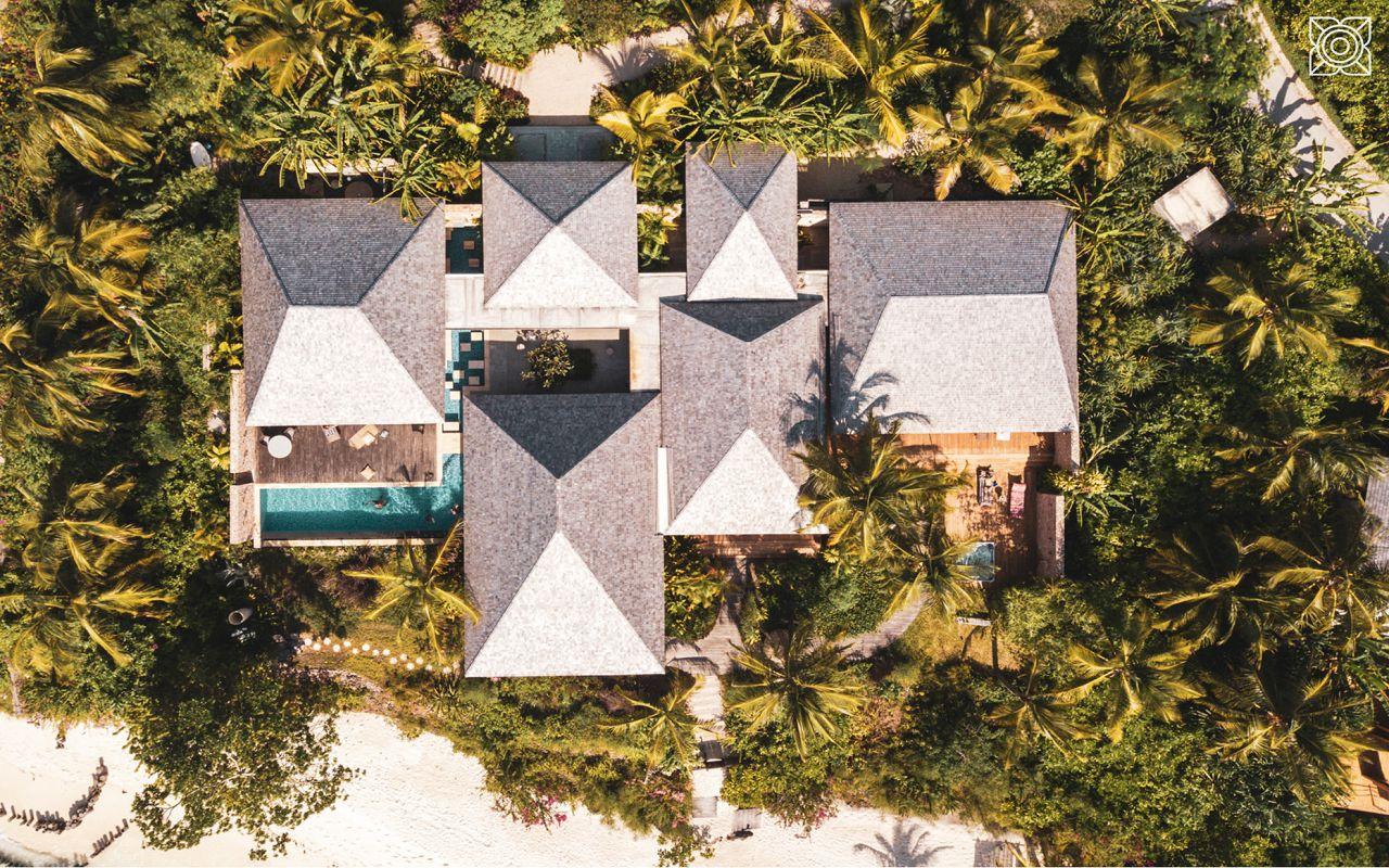 Ocean-Front Three Bedroom Luxury Villa (15)