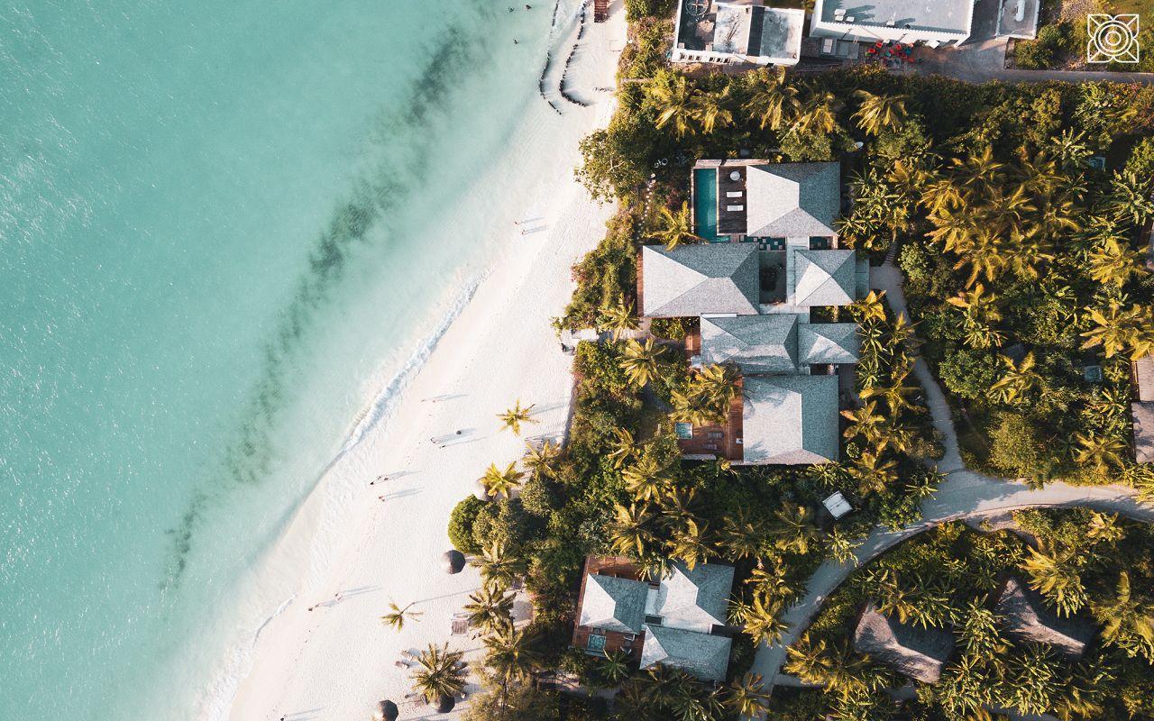 Ocean-Front Three Bedroom Luxury Villa (17)