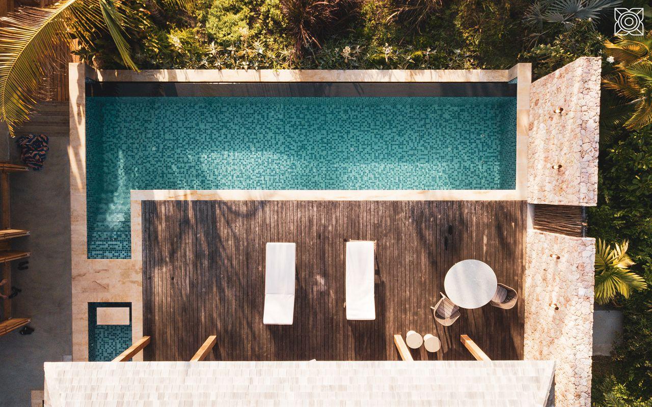 Ocean-Front Three Bedroom Luxury Villa (18)