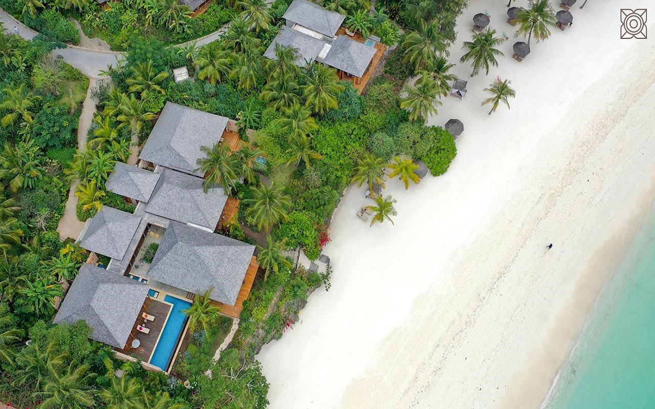 Ocean-Front Three Bedroom Luxury Villa (19)