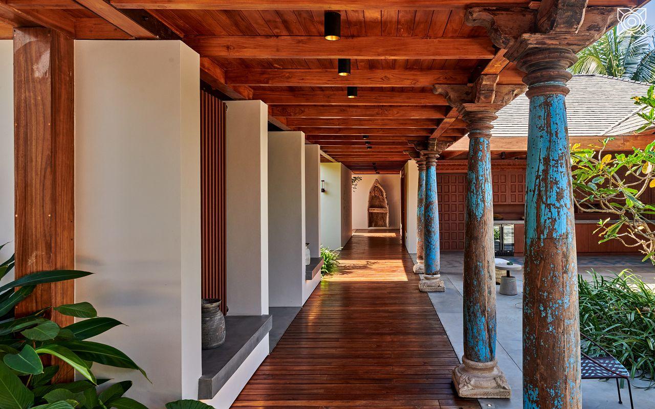 Ocean-Front Three Bedroom Luxury Villa (22)