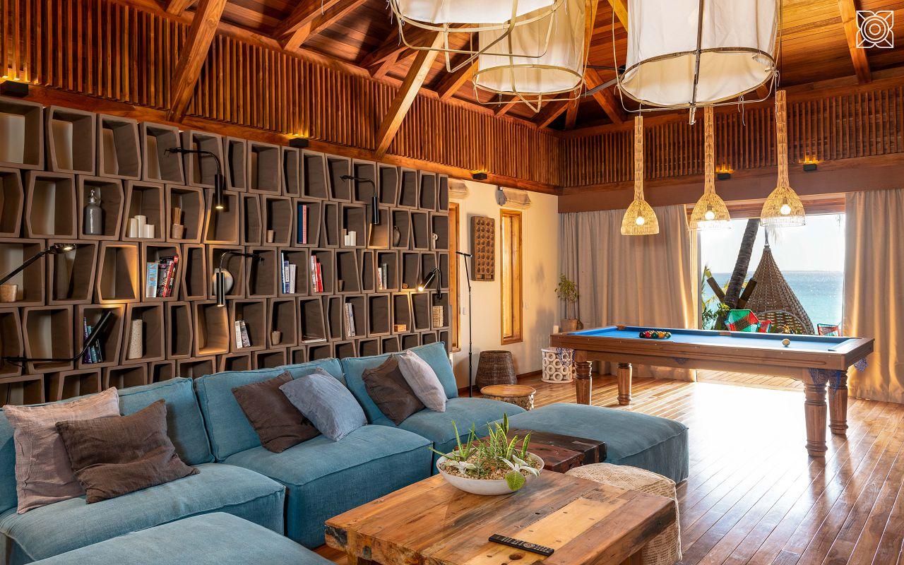 Ocean-Front Three Bedroom Luxury Villa (25)