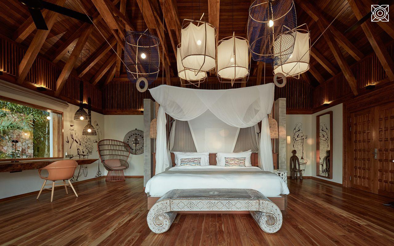 Ocean-Front Three Bedroom Luxury Villa (3)