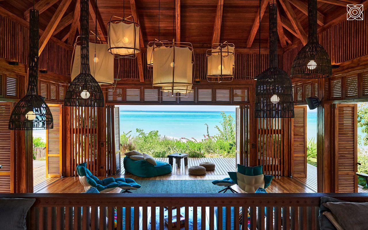 Ocean-Front Three Bedroom Luxury Villa (33)