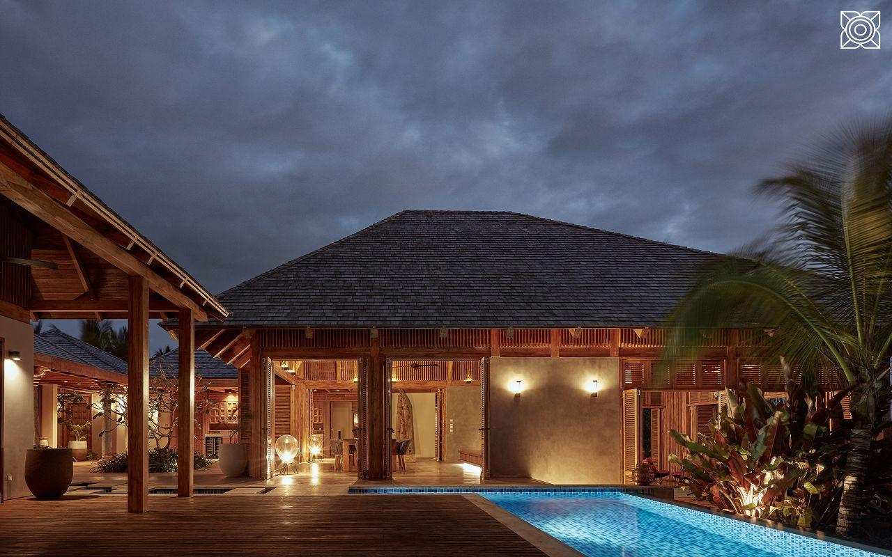 Ocean-Front Three Bedroom Luxury Villa (6)