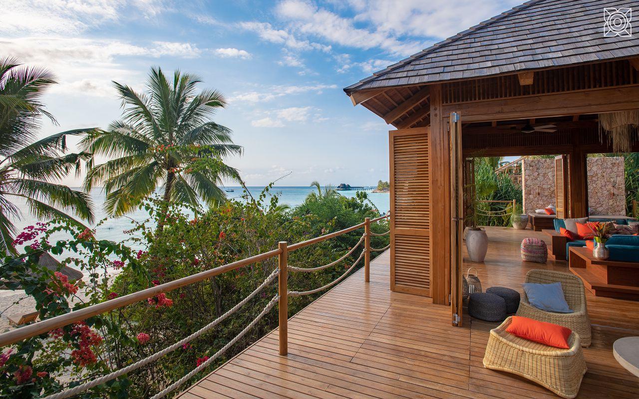 Ocean-Front Two Bedroom Villa (4)