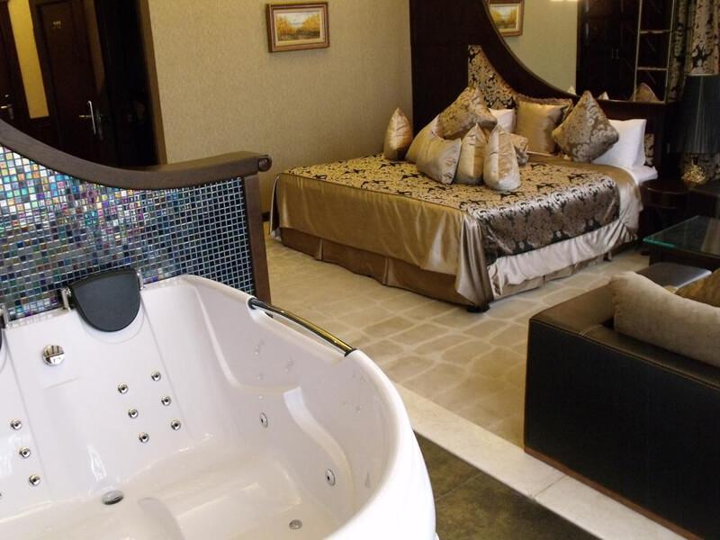 Royal Suite1